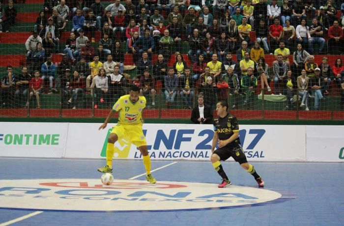 Jaraguá Futsal usa calculadora