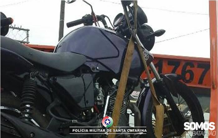 Motociclista é flagrado pela segunda vez transitando com CNH cassada