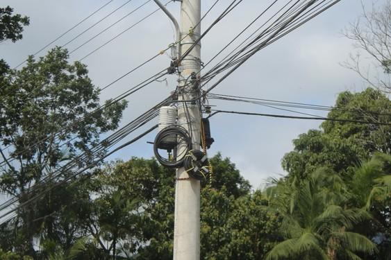 Prefeitura de Jaraguá do Sul notifica Celesc sobre fios soltos e caídos