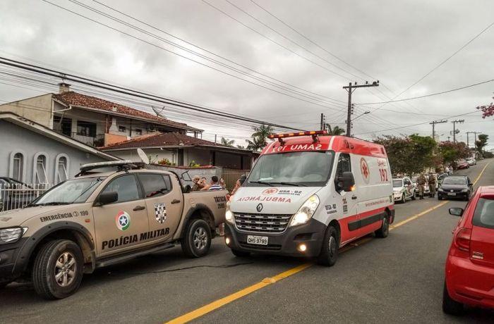 Homem foi esfaqueado na região do abdômen na Rua da Abolição, no Rau. l Foto: Reportagem/RBN