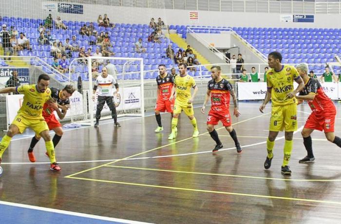 Jaraguá Futsal goleia fora de casa