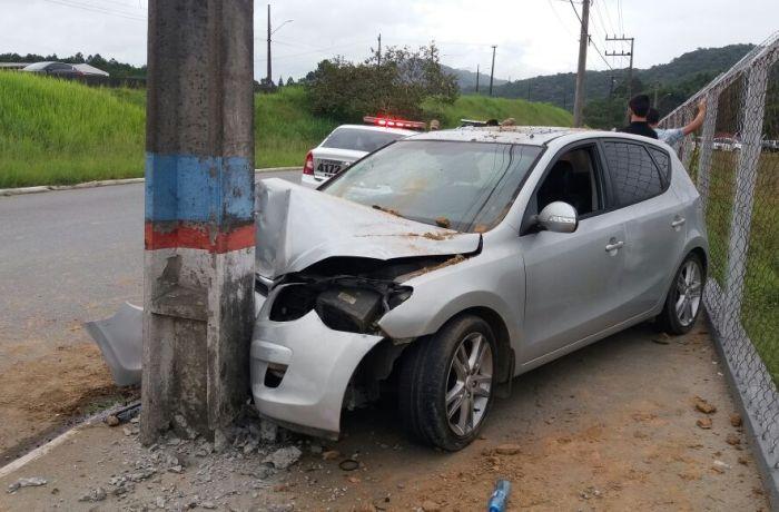 Motorista é detido pela PM após acidente em Guaramirim