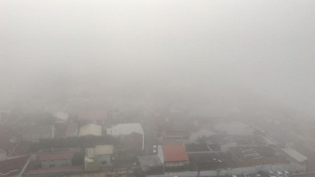 Itajaí registra nevoeiro às 15h desta quinta-feira (19) - Foto: Fabiano Correia/NSC TV