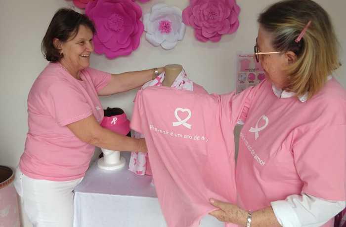 Rede Feminina de Jaraguá do Sul inicia a venda de produtos do Outubro Rosa