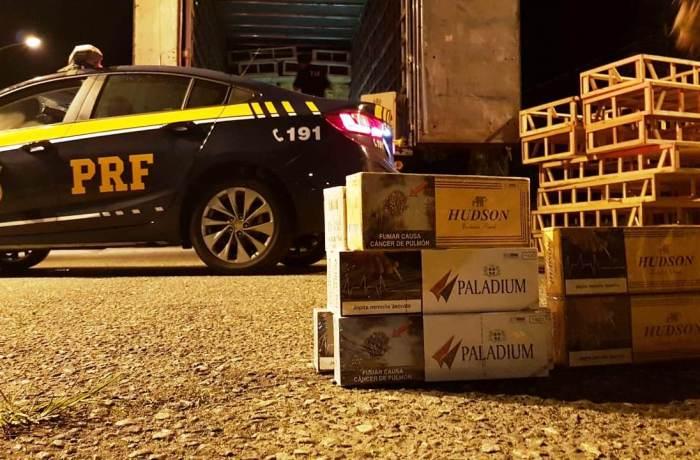 Ação da PRF e Receita Federal apreende carga de cigarros contrabandeados em Joinville