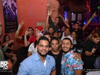 Saturday-Night-@-Onnos-Bar-22-Oct-16-51