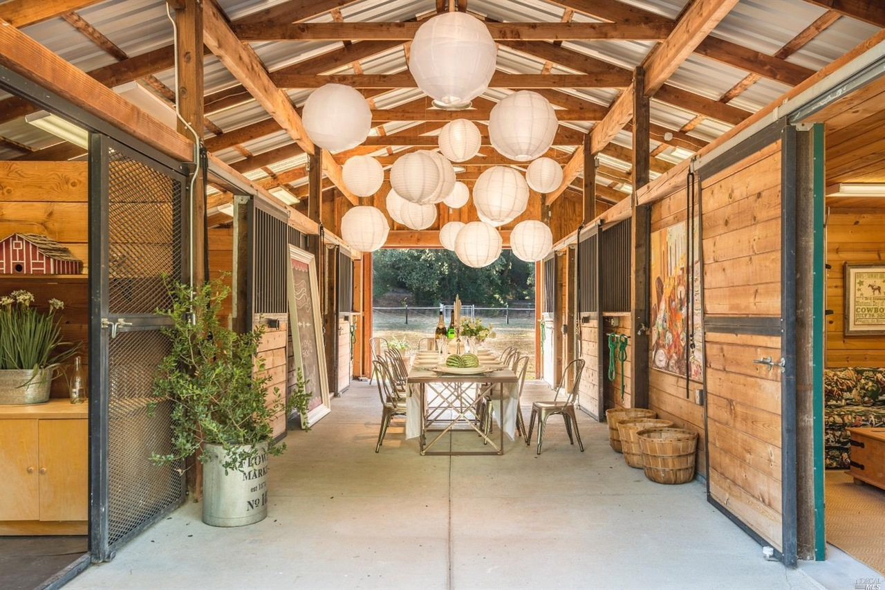 Wine Country Casual Elegant Healdsburg Farmhouse On The