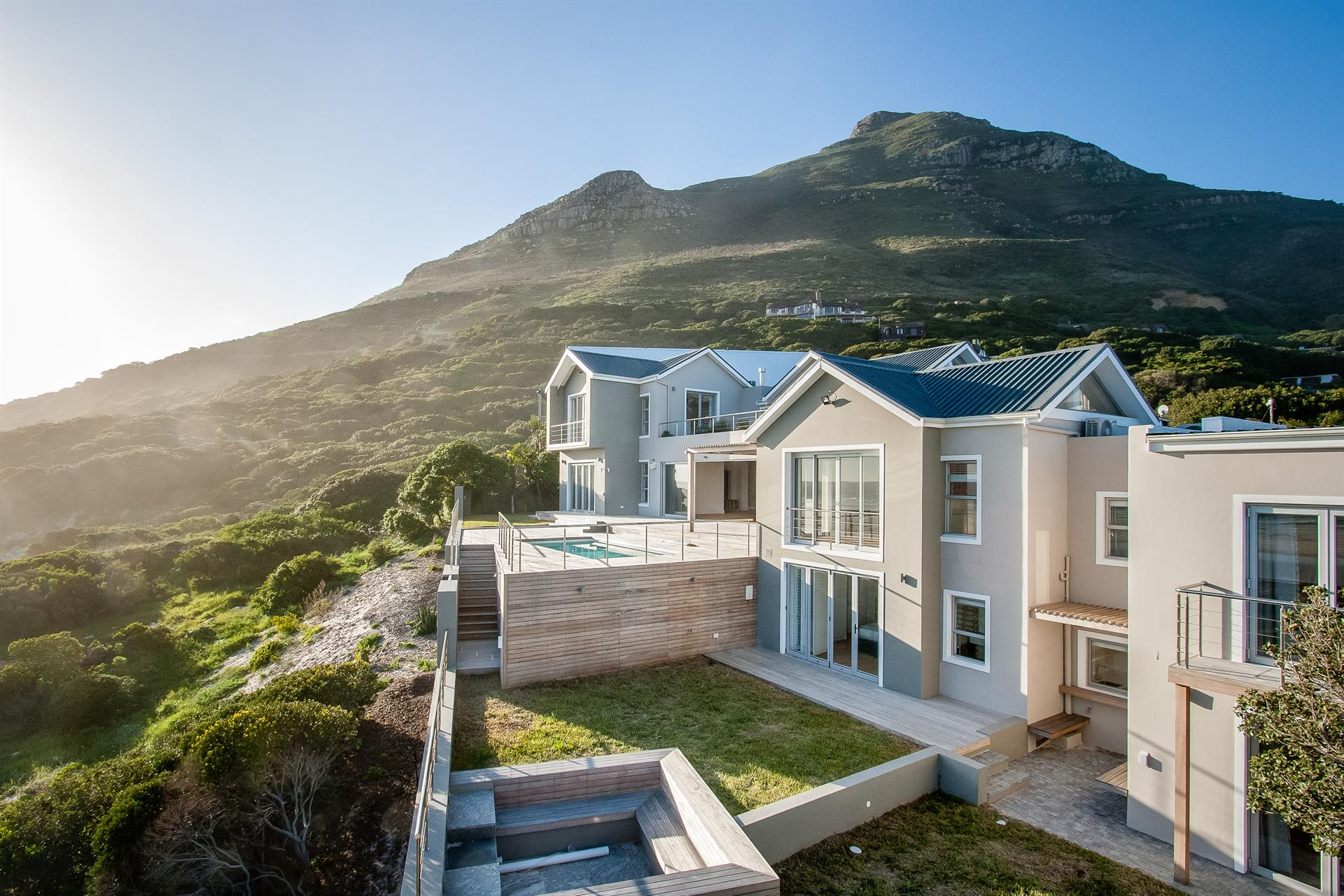 Cape Town Real Estate And Apartments For Sale Christie - Home Teacher Cape Town