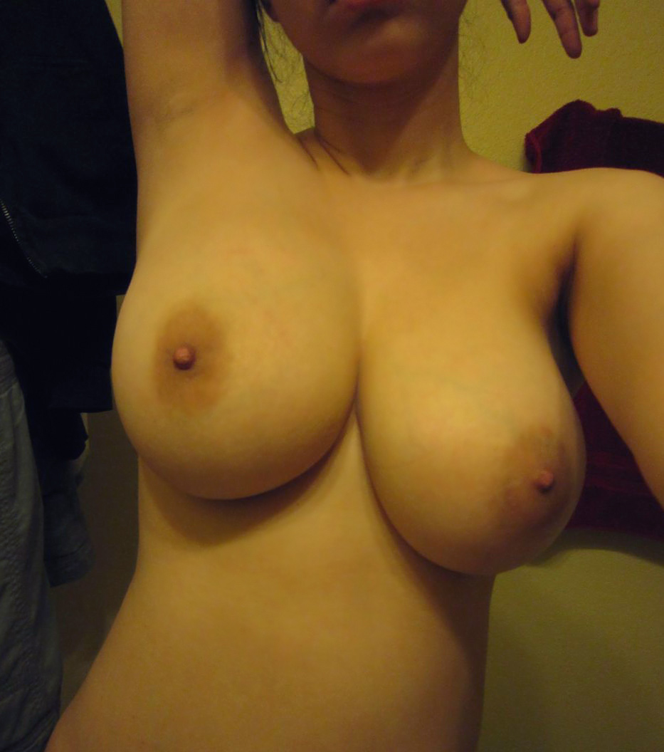 huge saggy tits selfie
