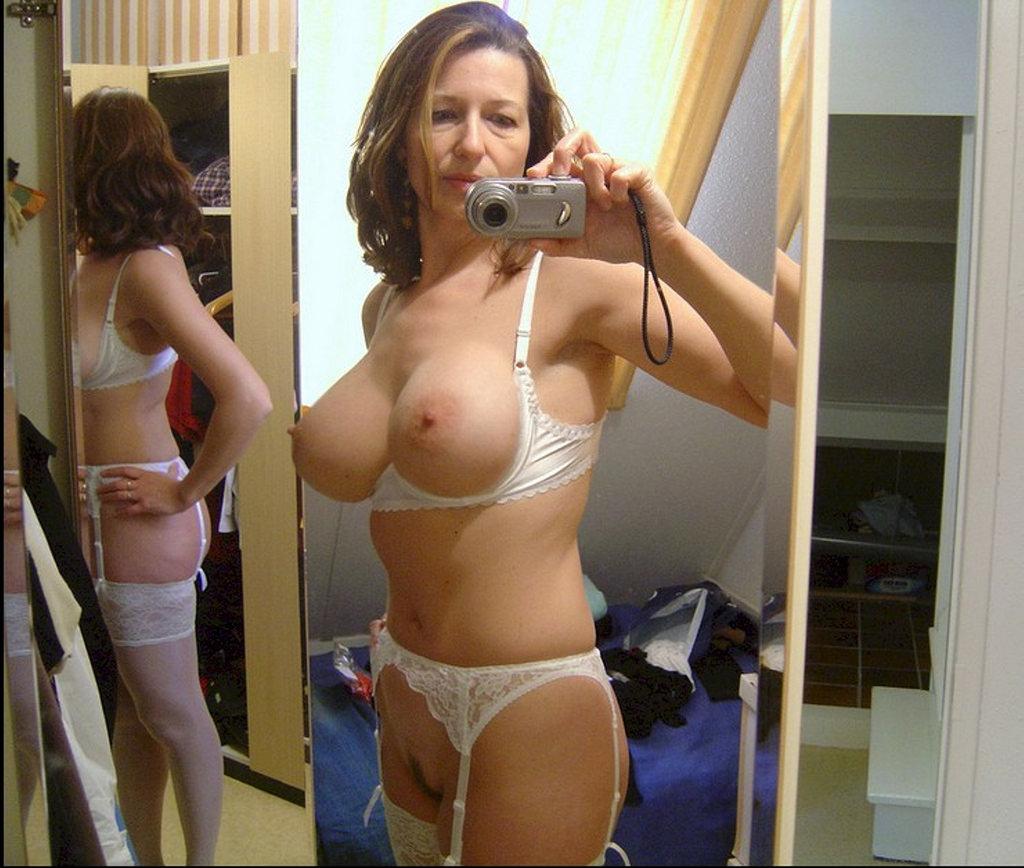 fully naked girl gifs