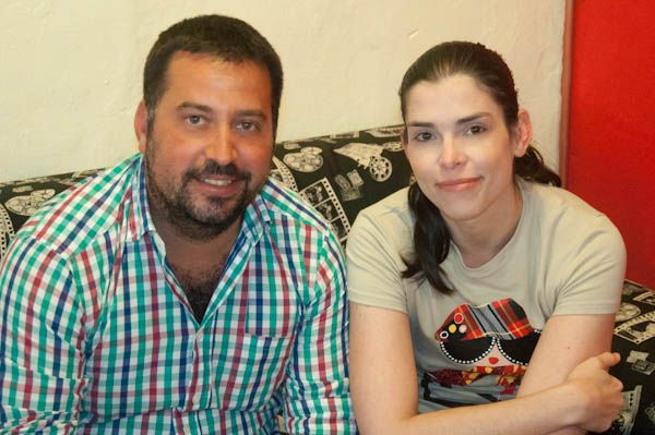 Fernando Verástegui de ClickCanarias y María Monedero