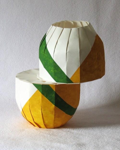 Horizontal shift vase