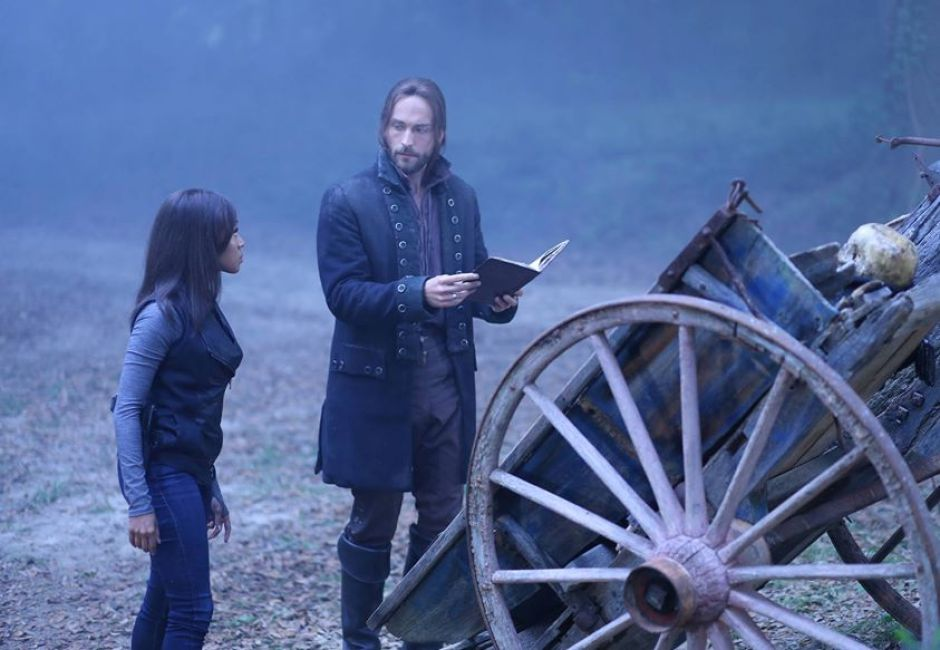 Sleepy Hollow: Ichabod (Tim Mison) and Abbie (Nicole Beharie) raise the Kindred to fight the Headless Horseman.