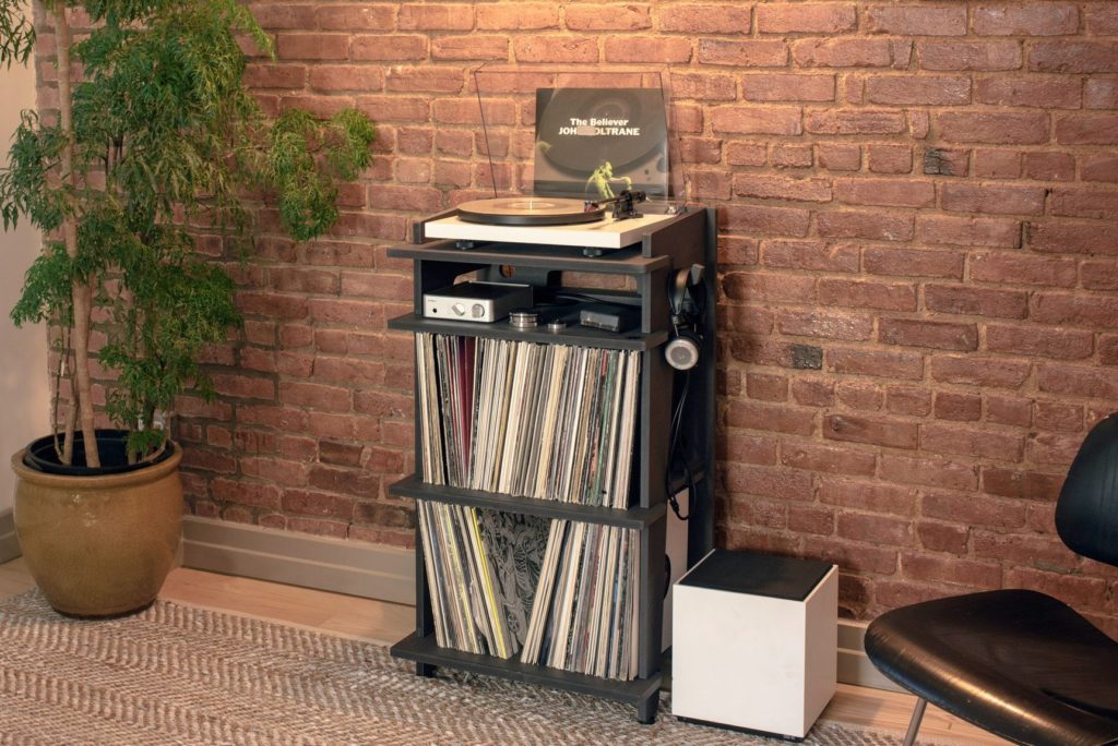 Platenspeler Kastje 10 Stylish & Affordable Record Player Stands | Record