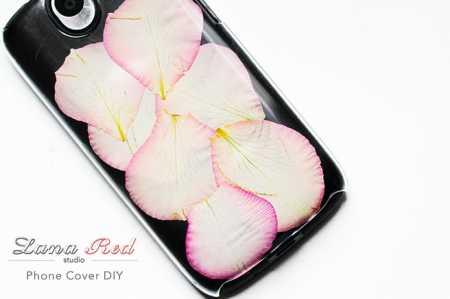 Rose-Petals-Phone-Case-DIY-met-tekst