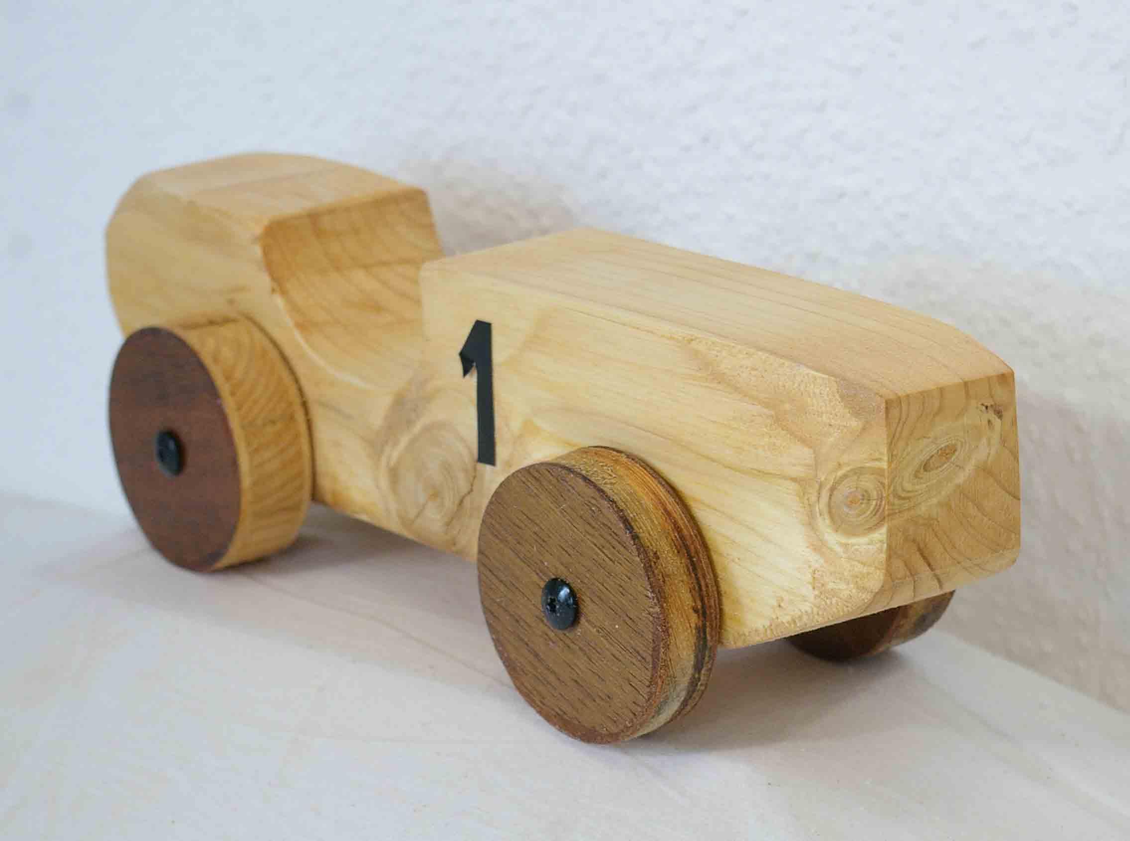 Holzauto selber bauen kinderspielzeug aus holz