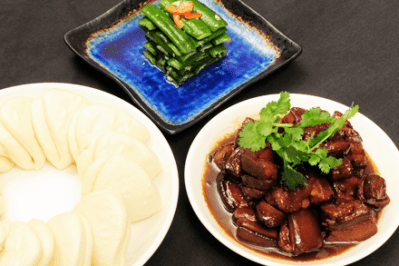 Red cooked pork with buns