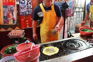 gulangyu-omelet-man