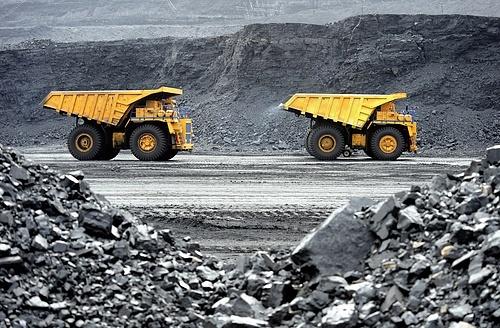 Failing coal CEOs rake in big bonuses as they screw workers