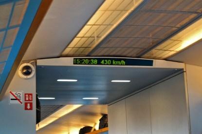 ...który osiąga prędkość 430km/h
