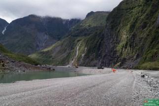 To jedna z ciekawszych dróg, jakimi jechaliśmy w NZ - dojazd do Fox Glacier