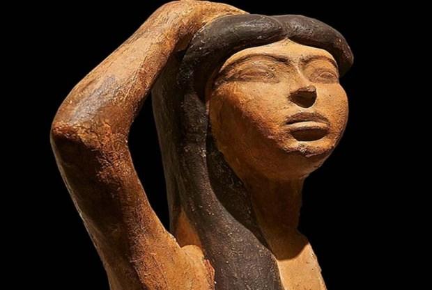 Estatuilla de Isis encontrada en India.