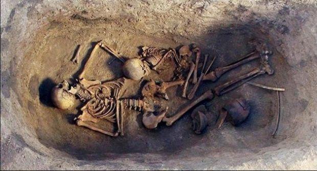 Enterramiento cultura Ókunev encontrado en Siberia.