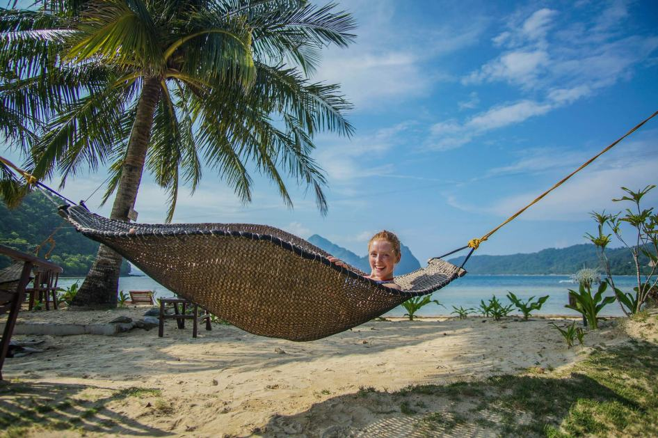 renate-in-a-hammock-palawan