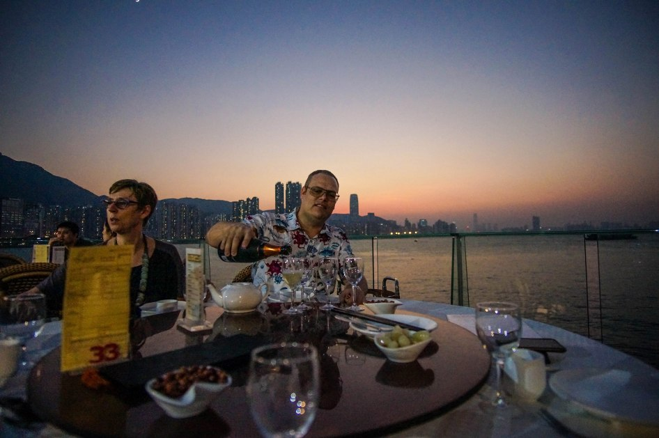 amazing-seafood-dinner_hk-river-front