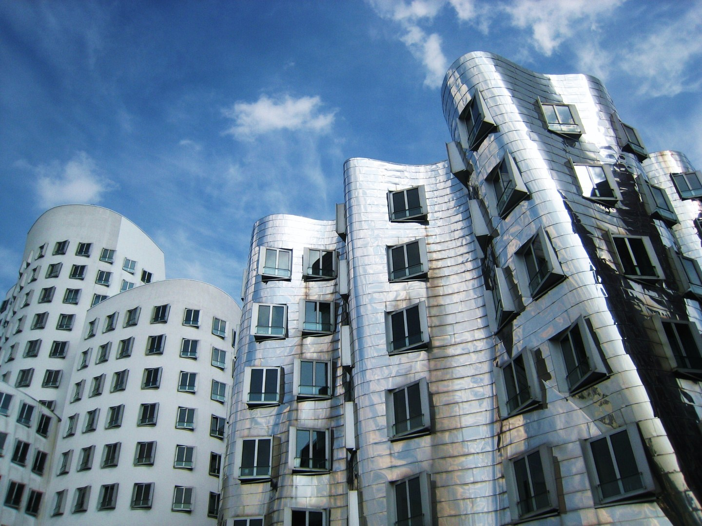 Frank Gehry Architecture Style And Design We Like Frank Gehry Red Maps Blog