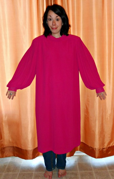 Sort of look likes a choir robe, doesn't it?
