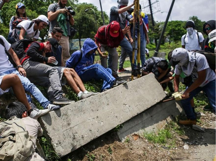 Sept Vénézuéliens sur dix souhaitent le départ de Nicolas Maduro, selon un sondage de l'institut vénézuélien Venebarometro.