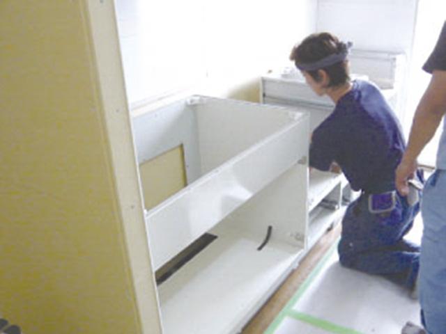 8-キッチン組立工事
