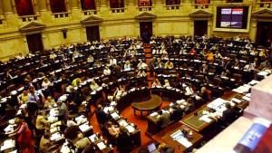 Tèlam Buenos Aires 14/12/04 Los diputados , durante la sesion  en la que se trataron diversas leyes. Foto:Jose Manuel Fernandez/Tèlam