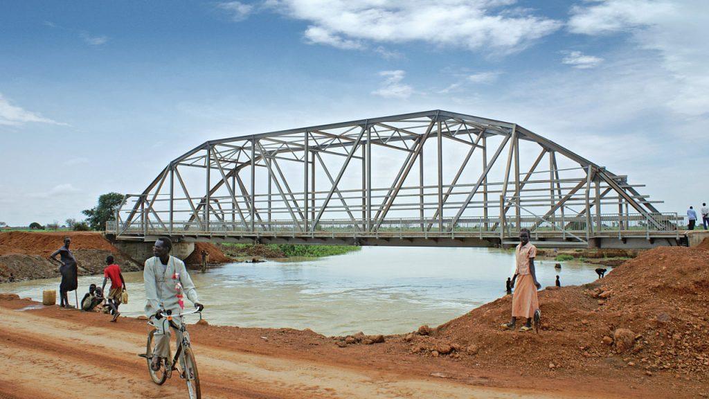 construction steel bridge through truss