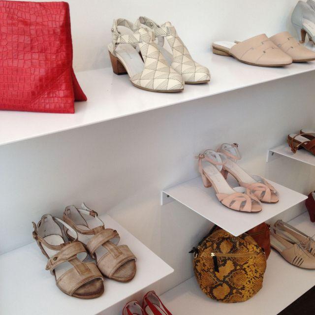 Im Schuhparadies bei Jungdesignerin Maya Levi.