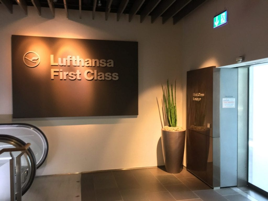 Lounge Ledersessel Review: Lufthansa First Class Lounge Frankfurt B