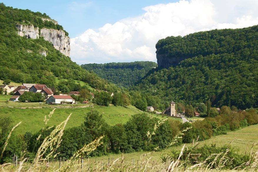 Route des lacs voert je door het natuurgeweld van montagnes du jura reisreporter - Hoe het sieren ...