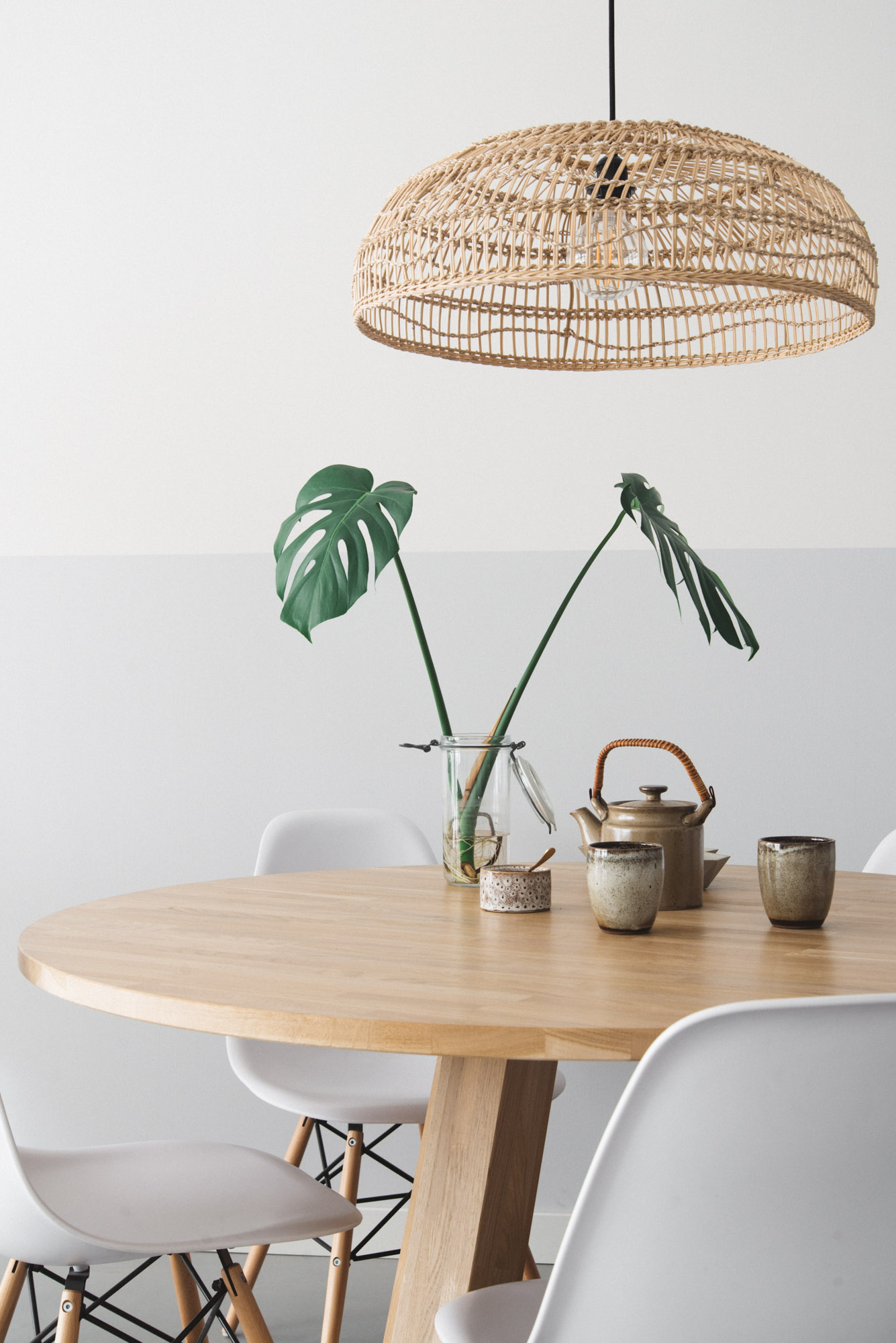 Eethoek Lamp Rieten Hanglamp Boven De Eettafel | Remade With Love