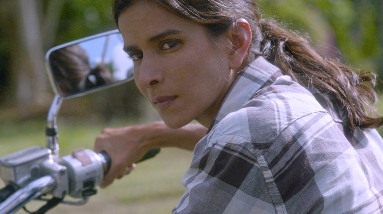 American Beautiful Girl Hd Wallpaper Patricia Velasquez Lights Up The Screen In Lesbian Drama
