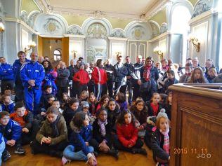 22 enfants et adultes +á l'+®coute (2)