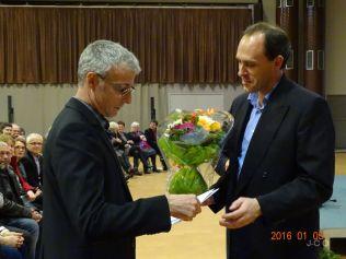 09 remise fleurs et m+®dailles (3)