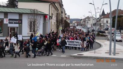 Manifestation Maintien Maternit+® +á Remiremonr (24)
