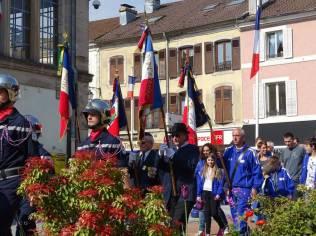 14 Porte drapeaux