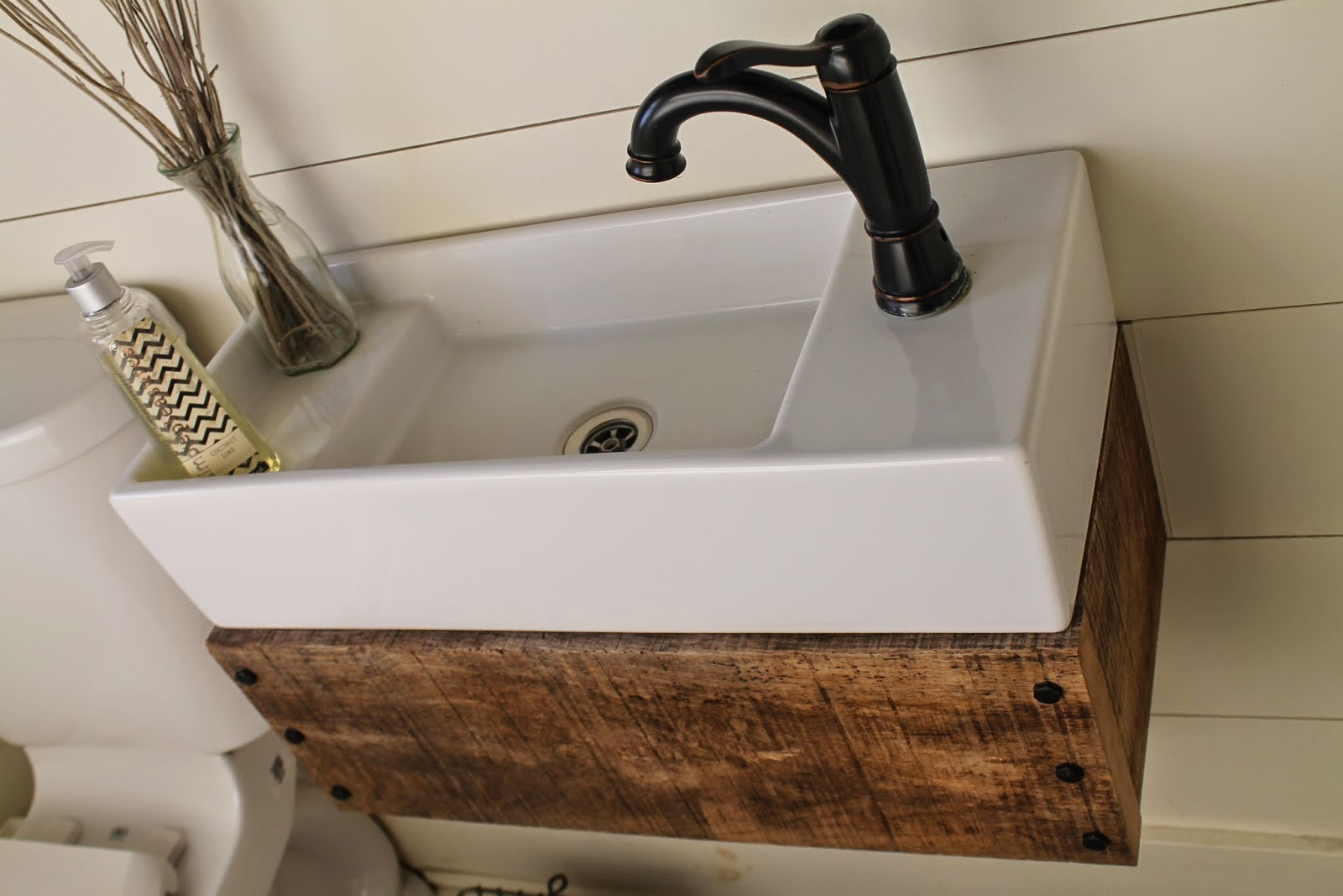 Diy Floating Vanity Sink Remodelaholic Reclaimed Wood Floating Vanity