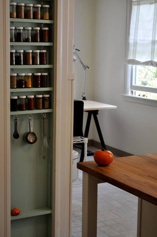 Houzz Advertising Remodelaholic | 25+ Brilliant In-wall Storage Ideas For