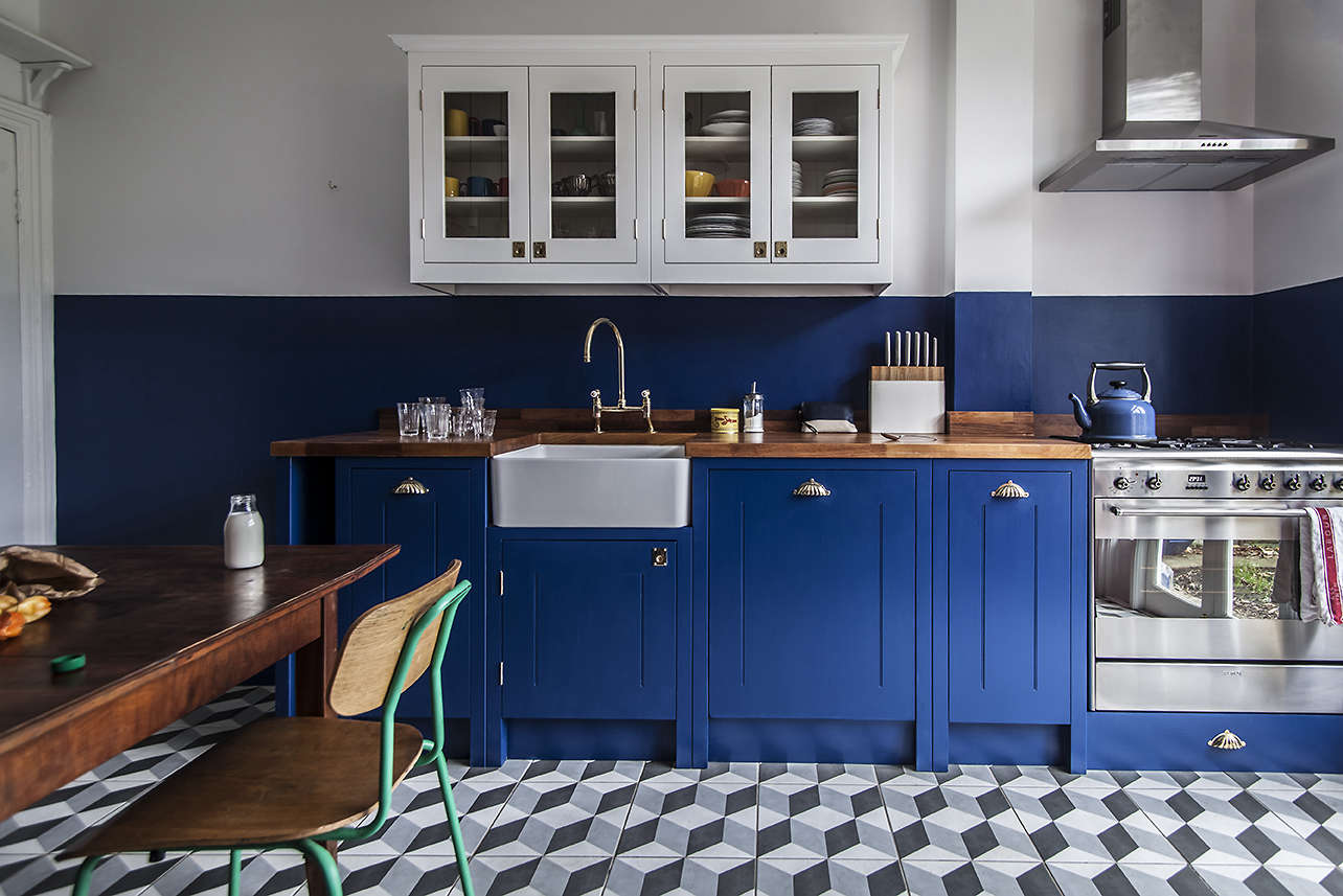 Blue In Kitchen Steal This Look A Cost Conscious Retro Kitchen In London