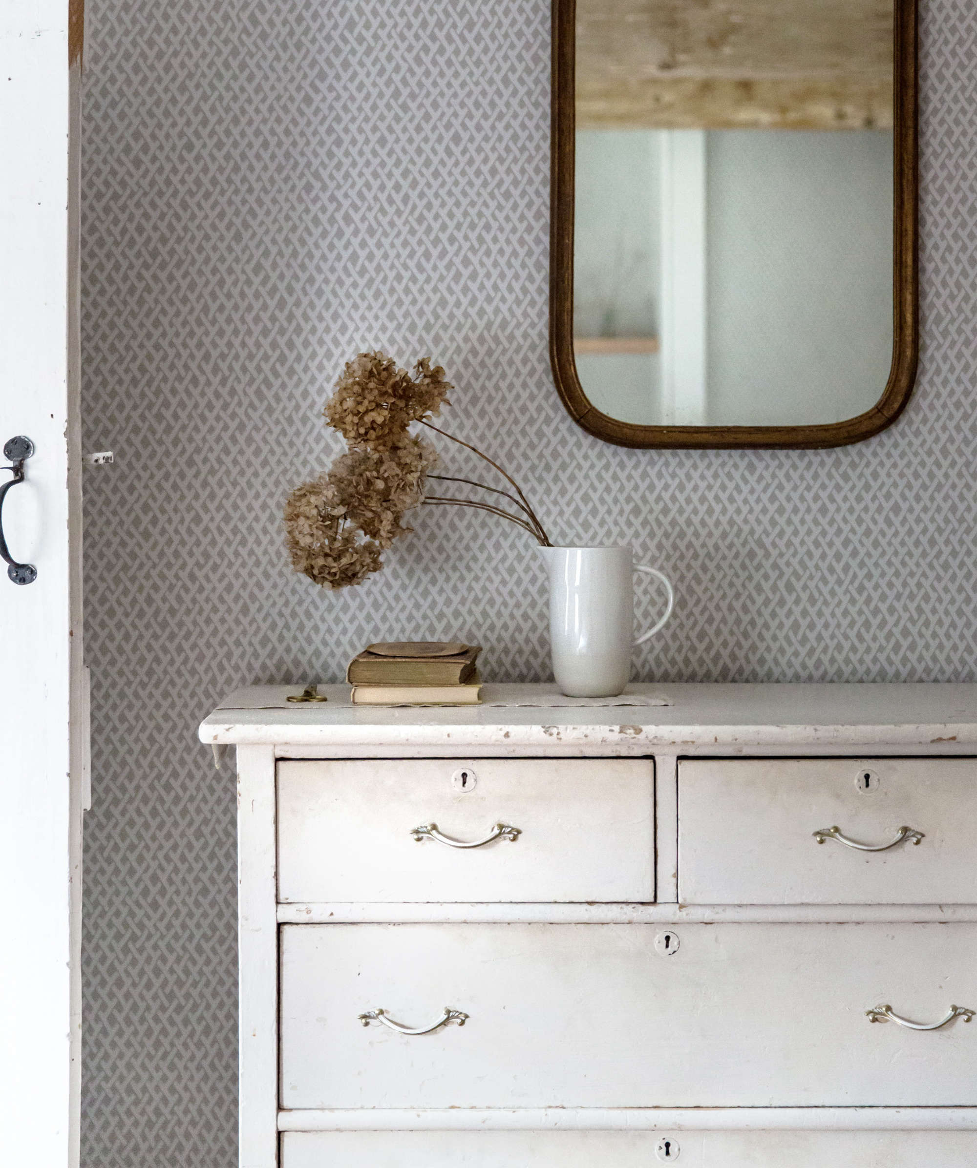 Expert Advice 5 Diy Finishes For Painted Furniture Vintage Edition Remodelista