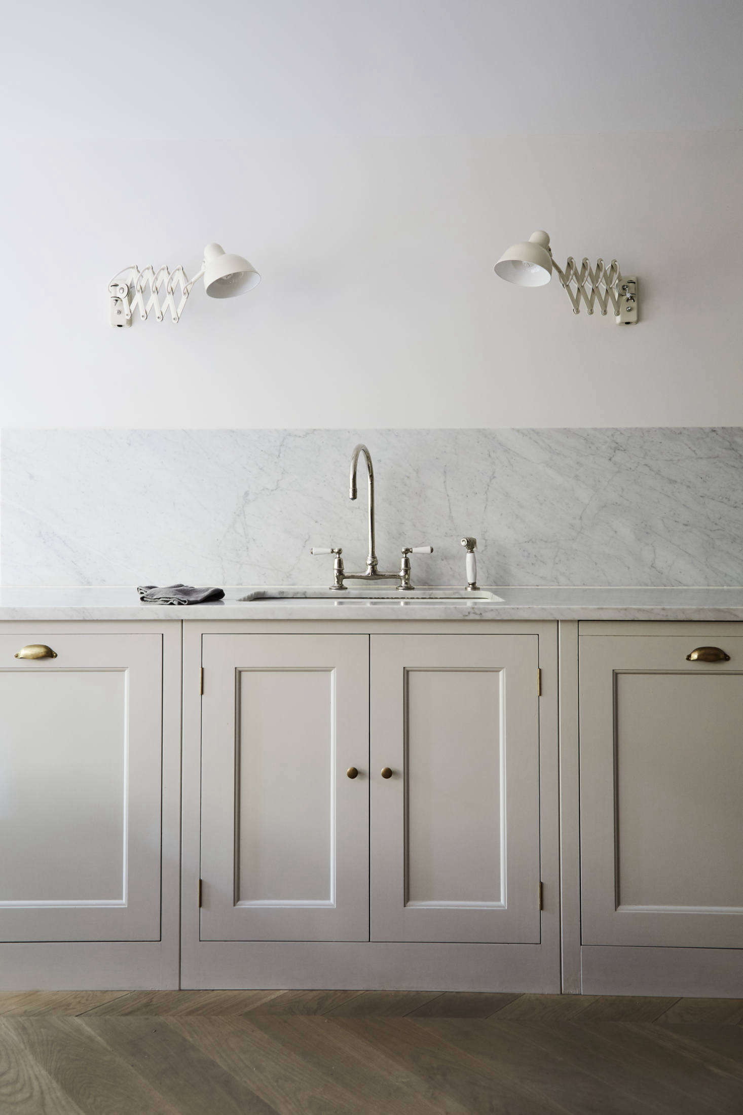 16 Favorite Marble Kitchen Backsplashes For Maximum Drama Remodelista