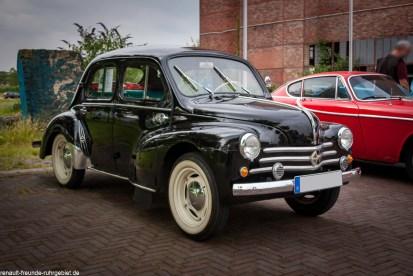 Renault 4CV beim Oldtimertreff Ruhr (Juli)